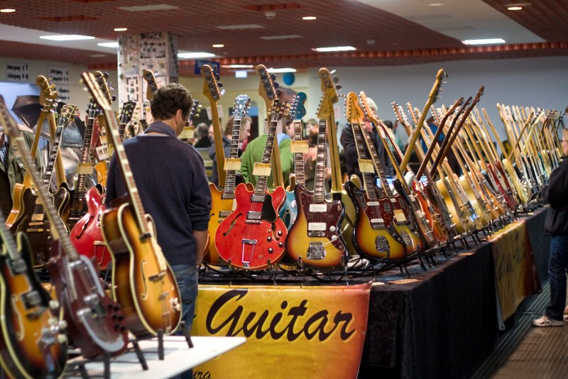Details | Vintage Guitar Show 2017