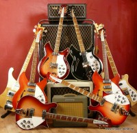 Vintage-Shop/Rickenbacker-Guitars-with-Vox.JPG