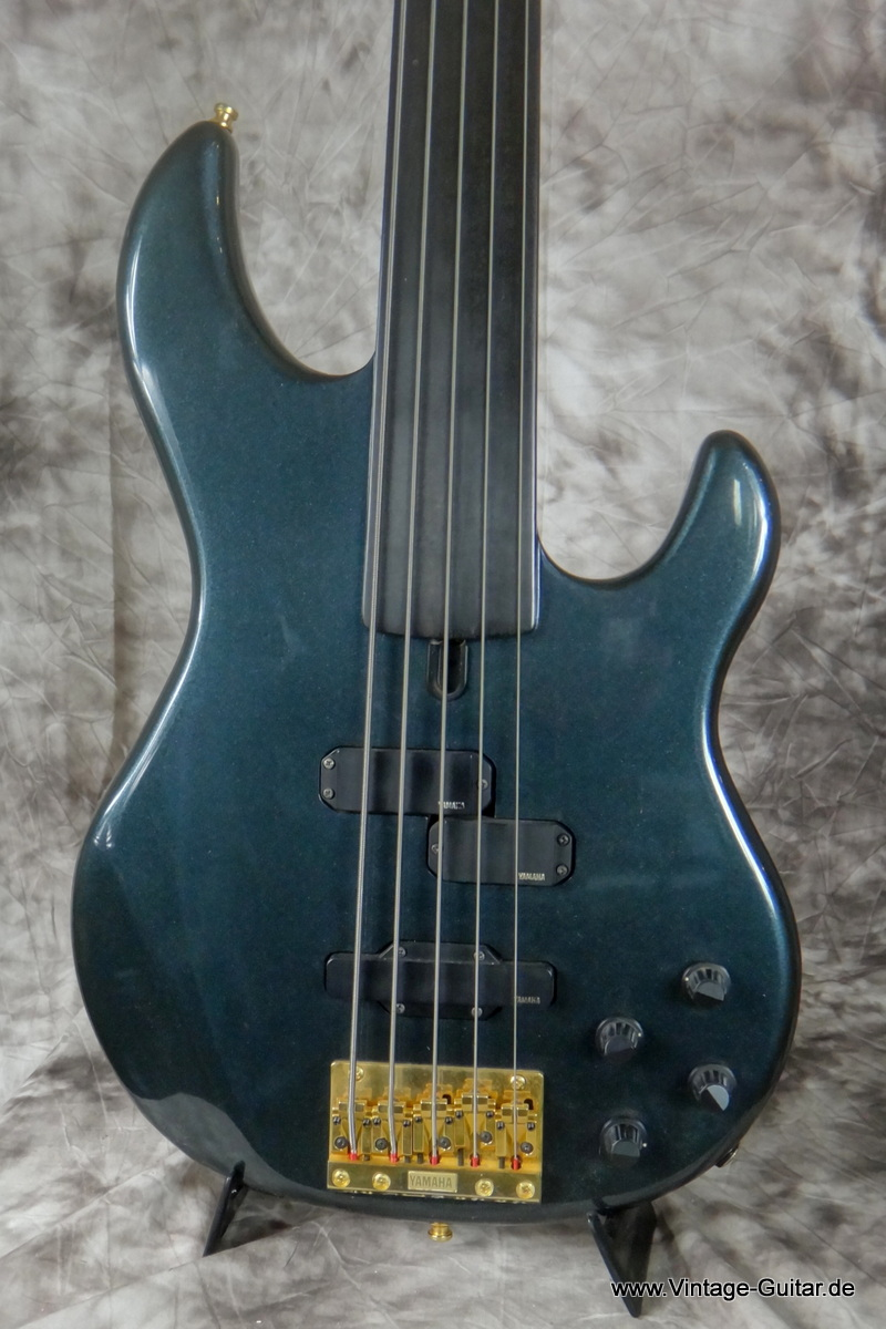 Yamaha Bass Guitar  String