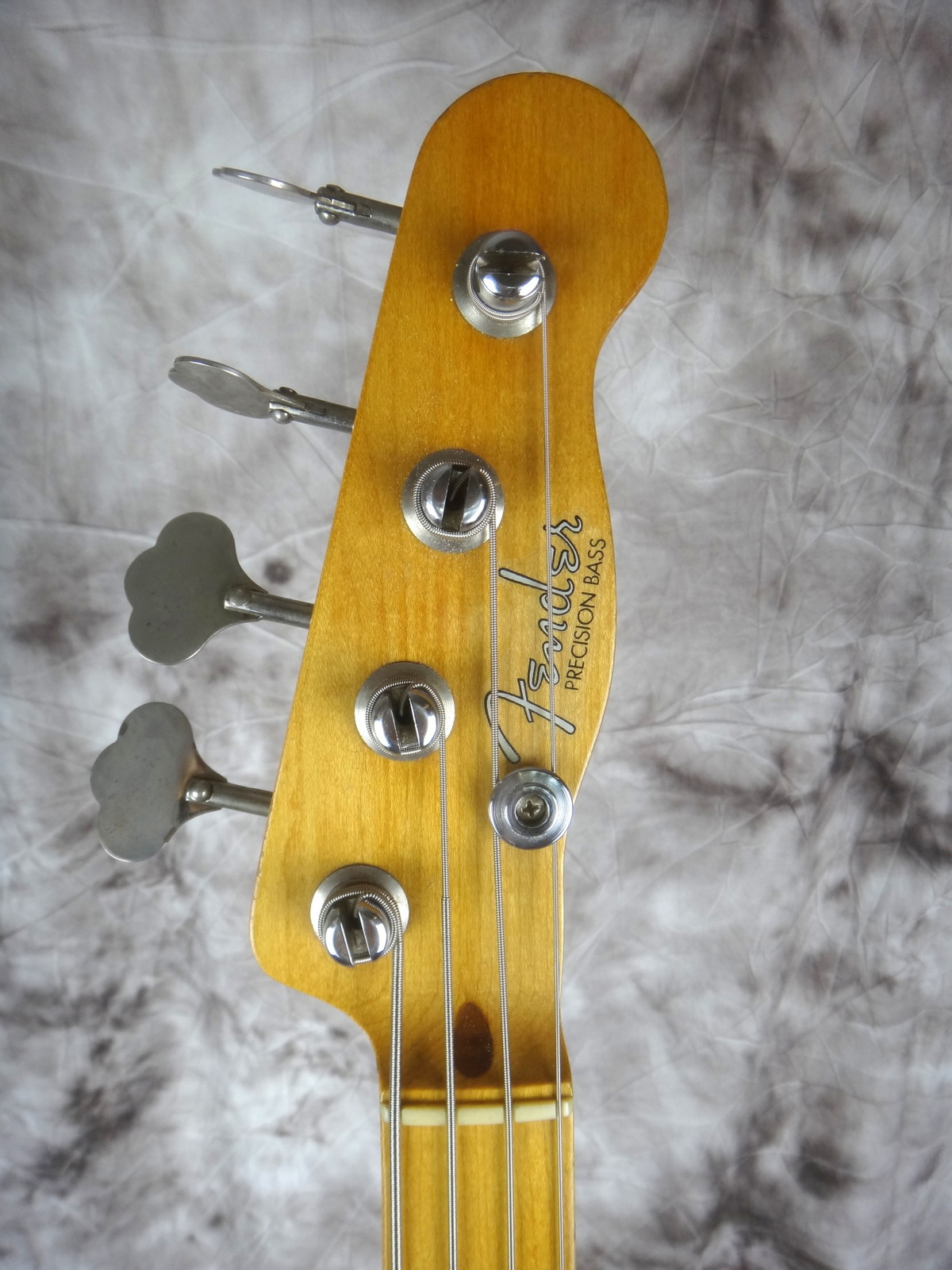 img/vintage/1599/Fender-Precision-Bass-1955-blond-003.JPG