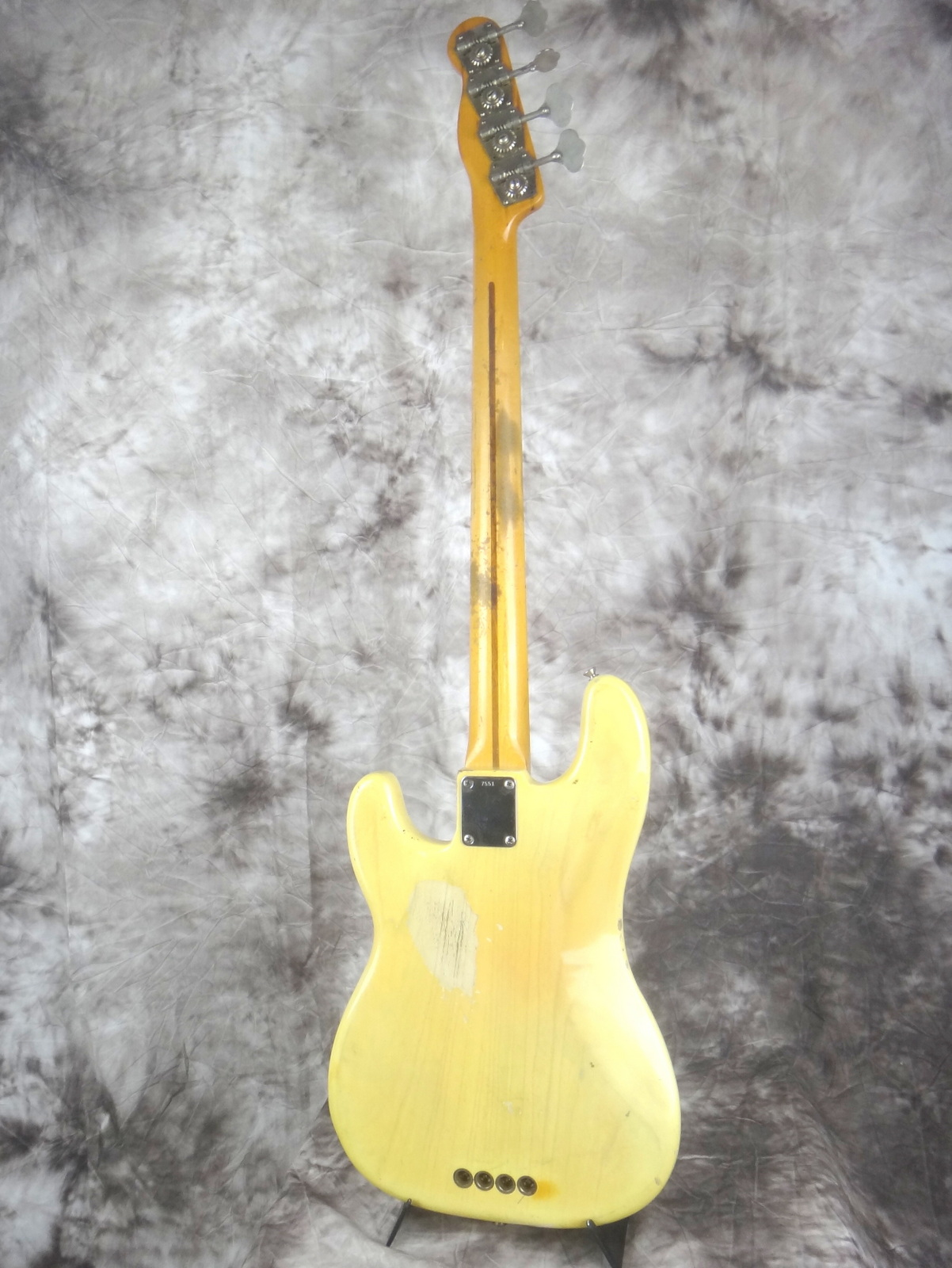 img/vintage/1599/Fender-Precision-Bass-1955-blond-004.JPG