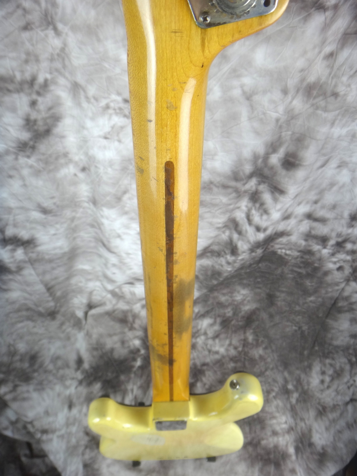 img/vintage/1599/Fender-Precision-Bass-1955-blond-007.JPG