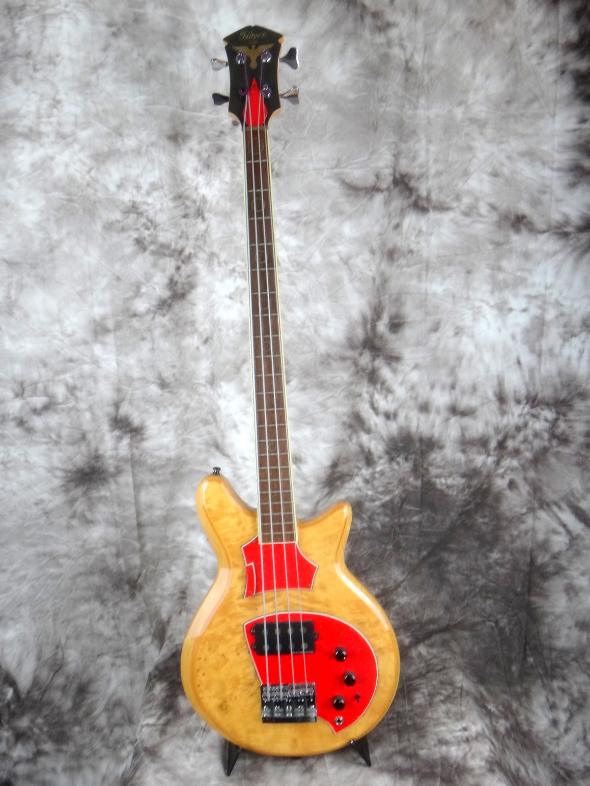 img/vintage/1697/Hoyer-Eagle-Bass-1980-001.JPG