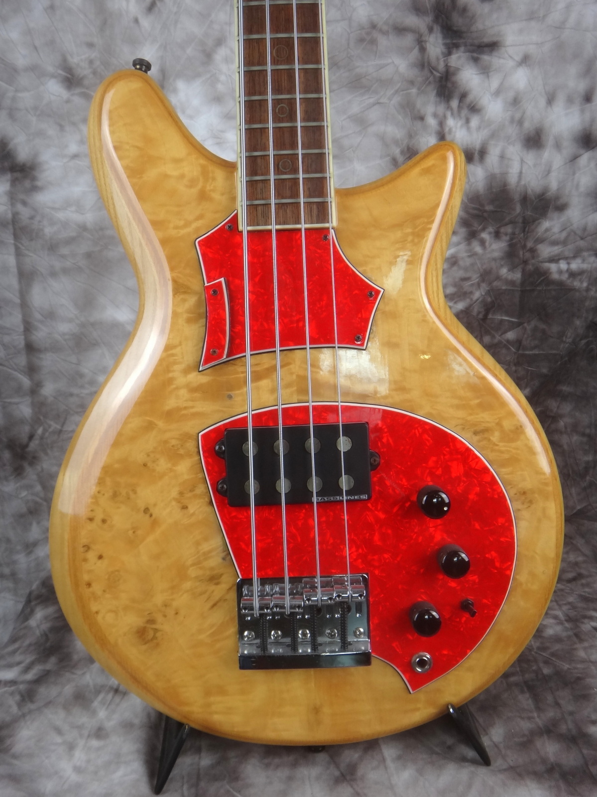 img/vintage/1697/Hoyer-Eagle-Bass-1980-002.JPG