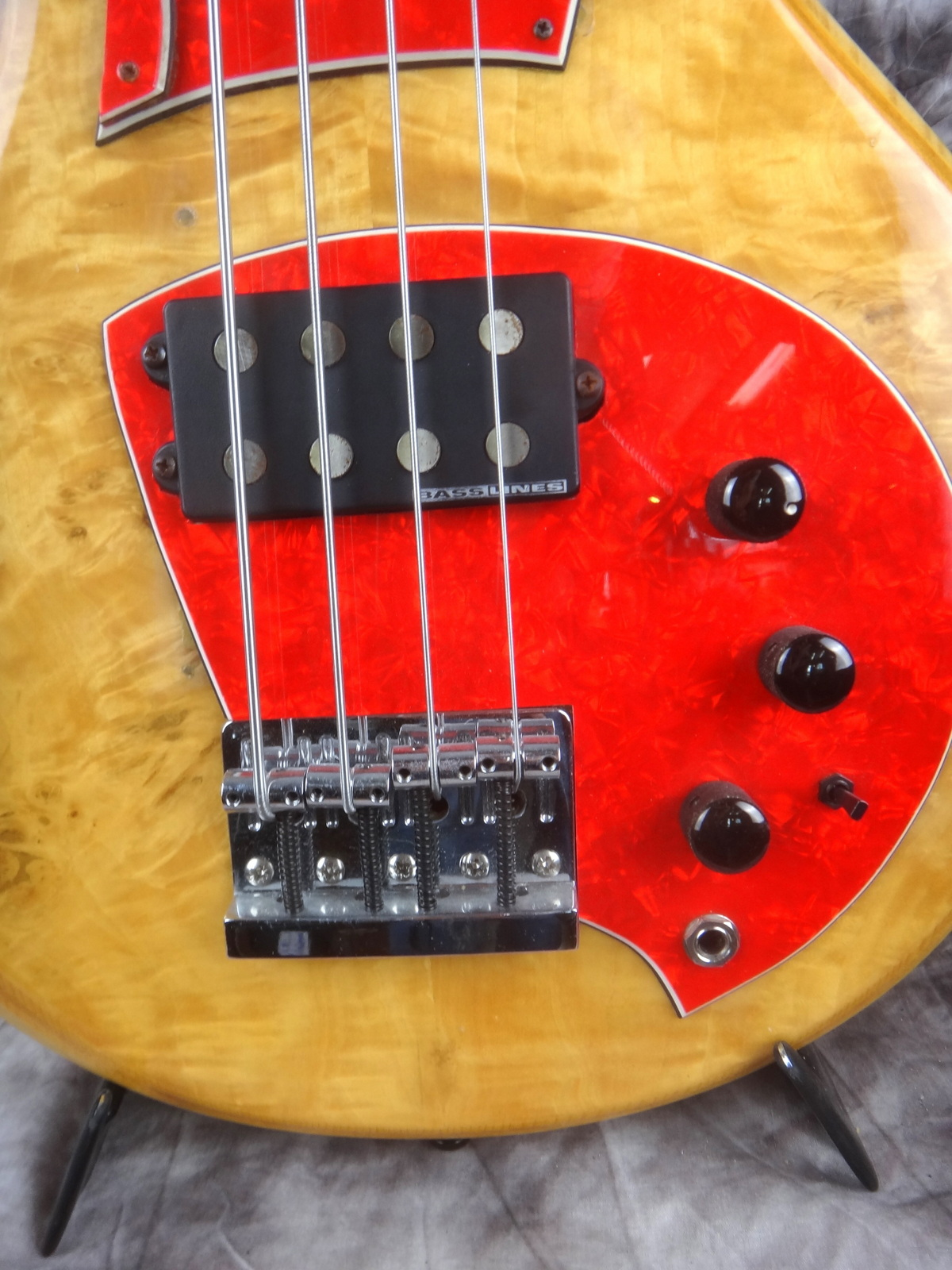 img/vintage/1697/Hoyer-Eagle-Bass-1980-004.JPG