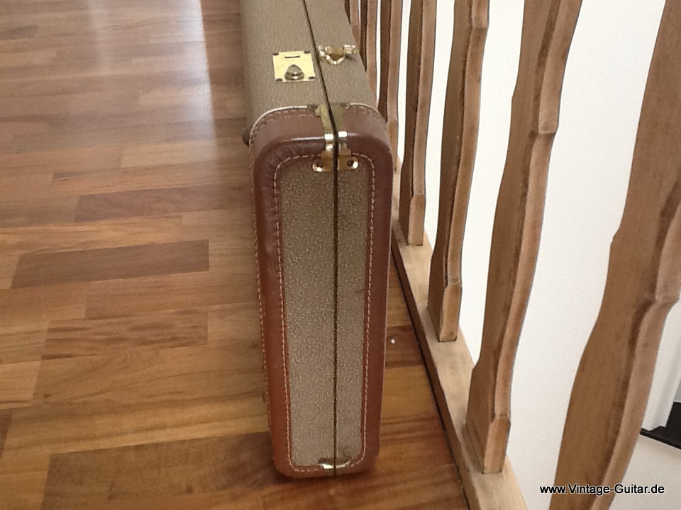 img/vintage/1745/Fender-brown-tolex-bass-case-1961-004.jpg