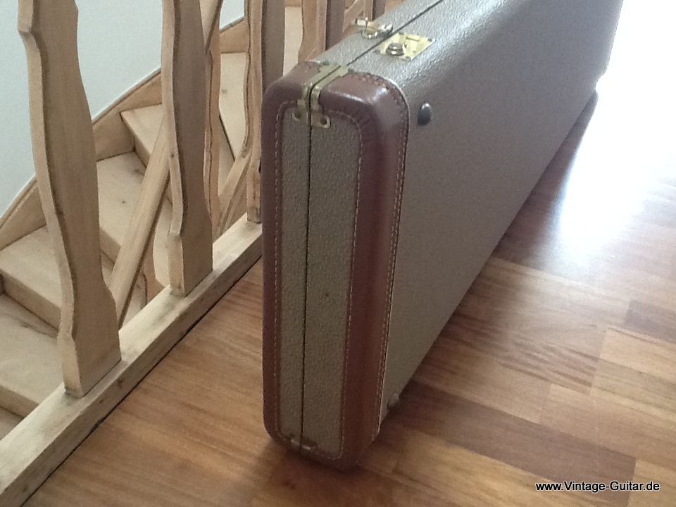 img/vintage/1745/Fender-brown-tolex-bass-case-1961-005.jpg