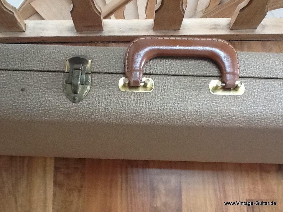 img/vintage/1745/Fender-brown-tolex-bass-case-1961-006.jpg