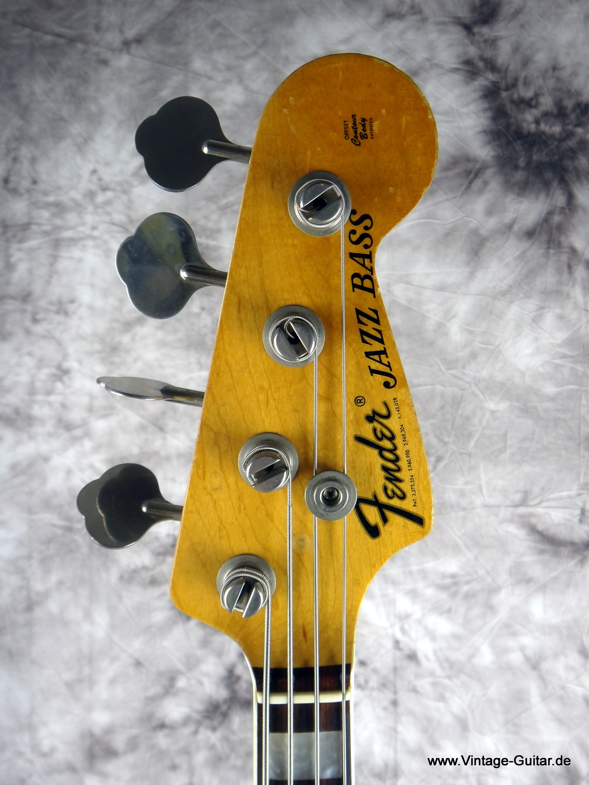 img/vintage/1786/Fender_Jazz-Bass_1974_sunburst-alder-body-003.JPG