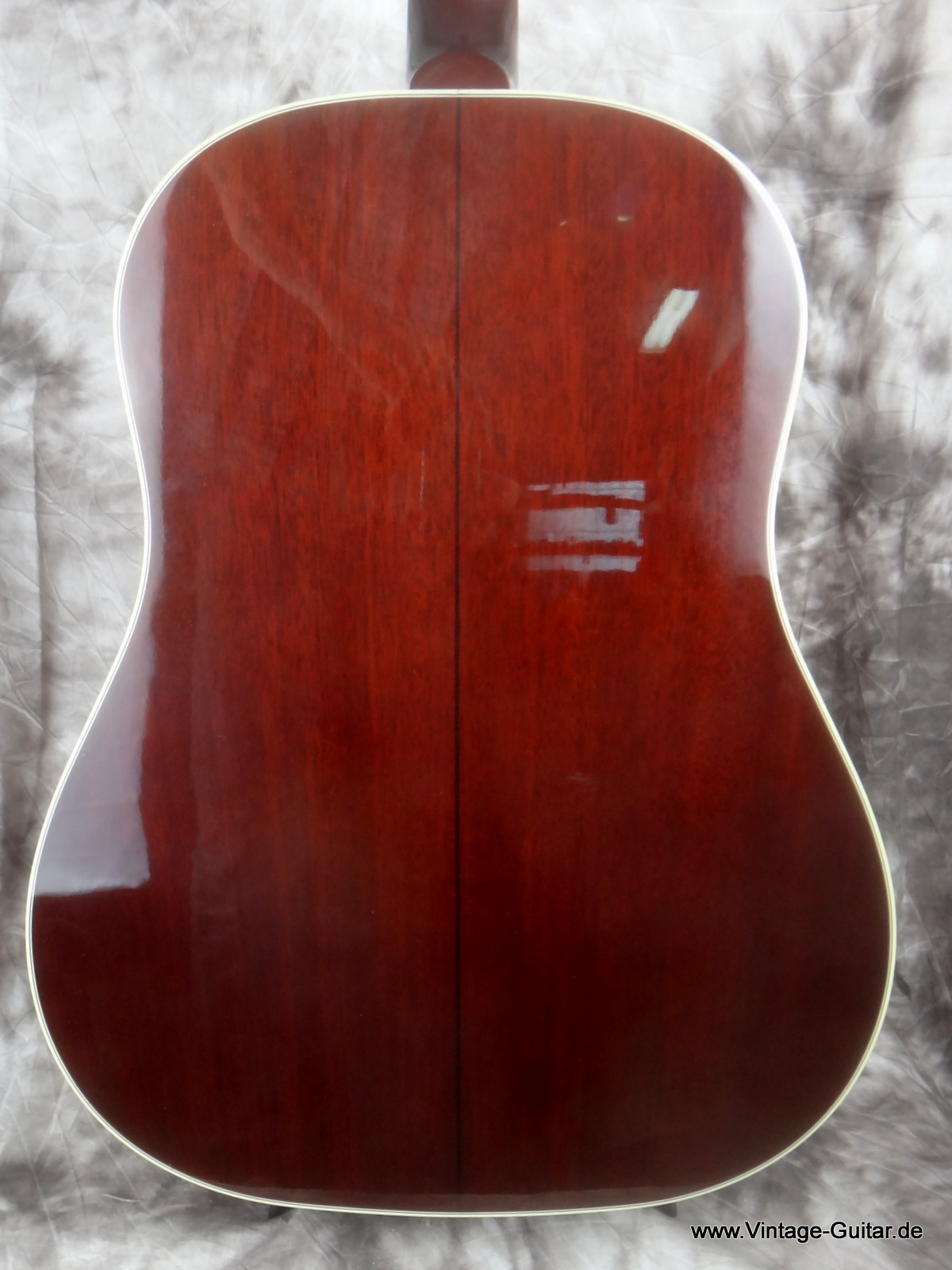img/vintage/1806/Gibson-J-45-Brad-Paisley-limited-edition-004.JPG