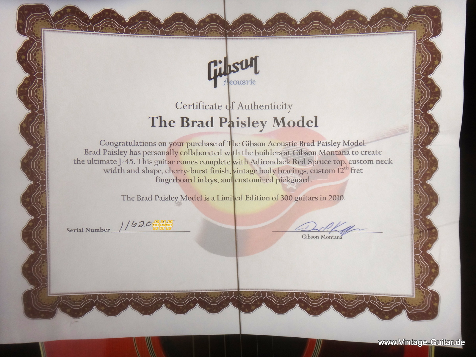 img/vintage/1806/Gibson-J-45-Brad-Paisley-limited-edition-012.JPG