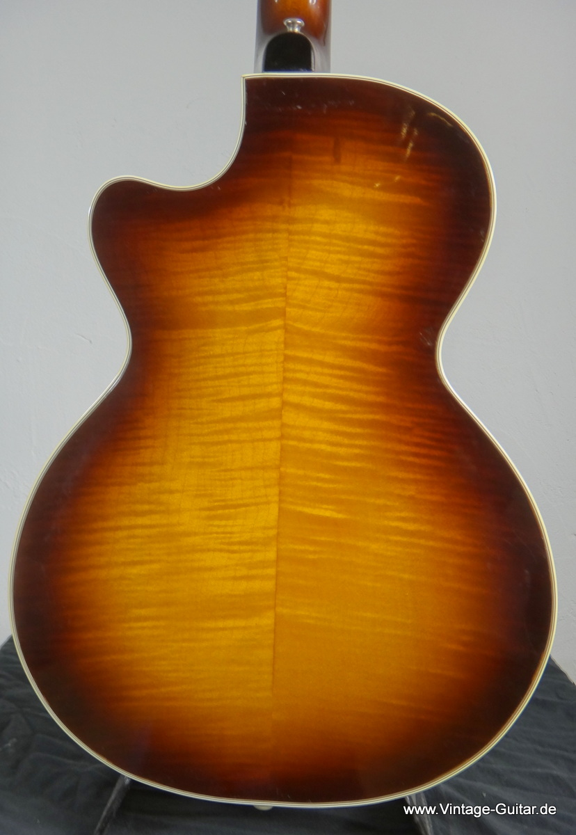img/vintage/195/Hofner-Club-50-from-1968-006.JPG
