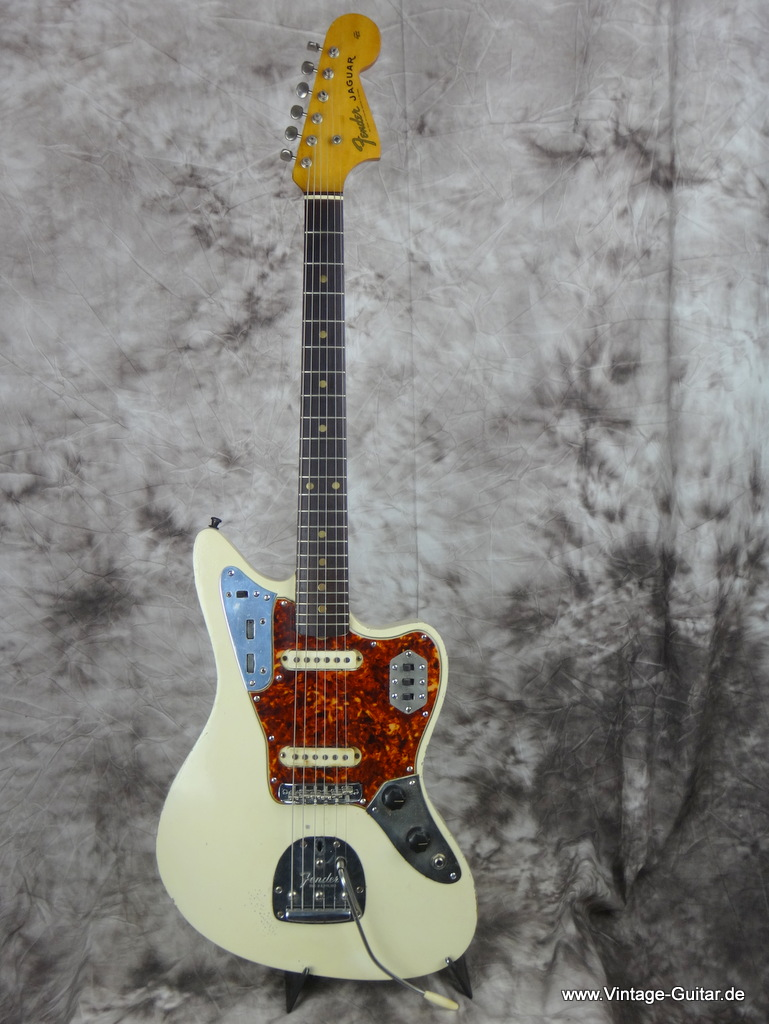 img/vintage/2127/Fender_jaguar-olympic_white-refinished_1963-001.JPG