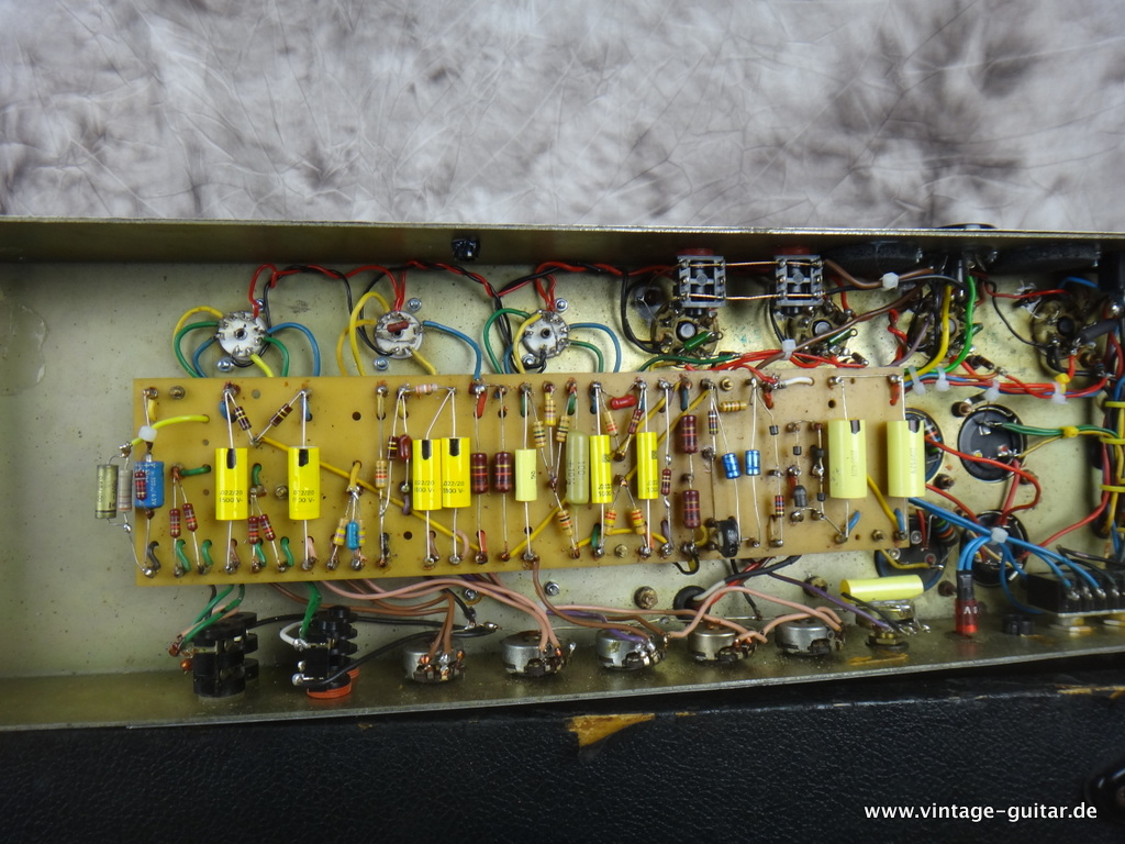 img/vintage/2153/Marshall_Super_Lead_100_model-1959-1982.JPG