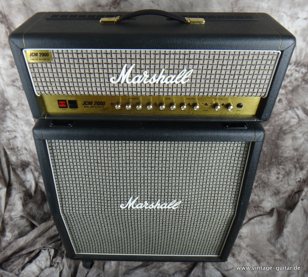 img/vintage/2161/Marshall_JCM-2000_limited-Edition-checkerboard-002.JPG