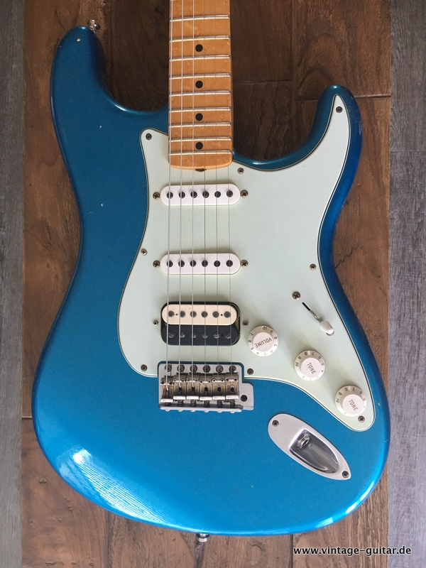 img/vintage/2449/Fender-Stratocaster-2013-Lake-Placid-Blue-Custom-Shop-002.JPG