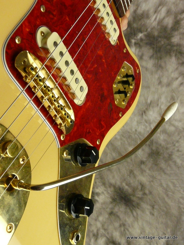 img/vintage/2510/Fender_Jaguar-1994-blonde-Limited-Edition-009.JPG