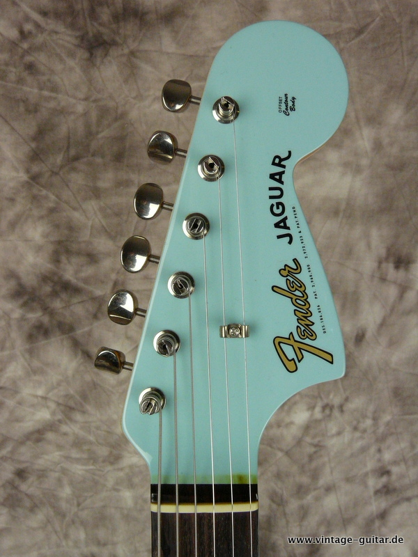 img/vintage/2570/Fender-62-Jaguar-Thin-Skin-limited-edition-daphne-blue-002.JPG