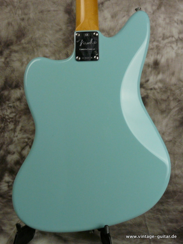 img/vintage/2570/Fender-62-Jaguar-Thin-Skin-limited-edition-daphne-blue-006.JPG