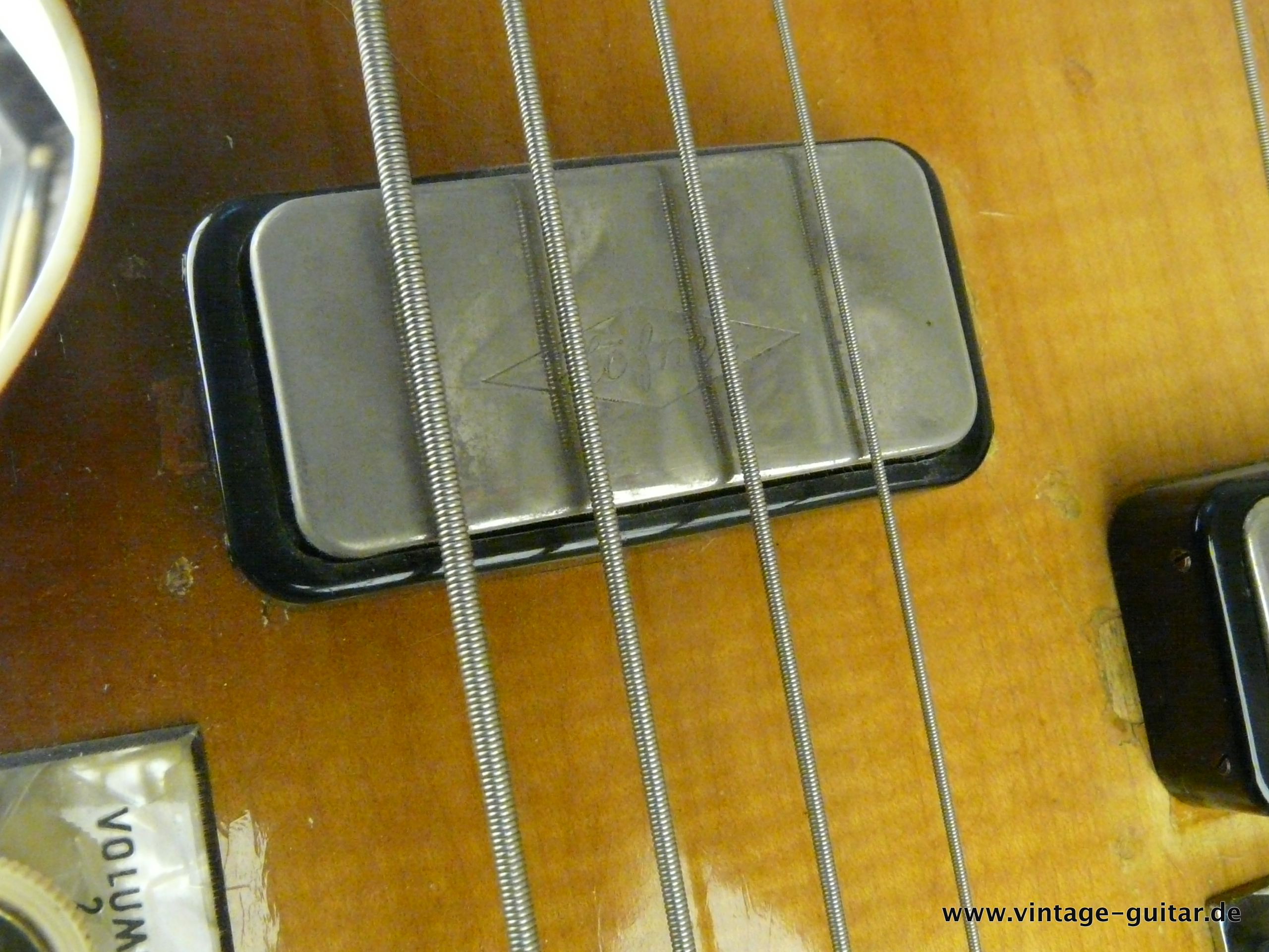 img/vintage/2648/Hofner-Double-Neck-Guitar-and-Bass-Model-191-015.JPG