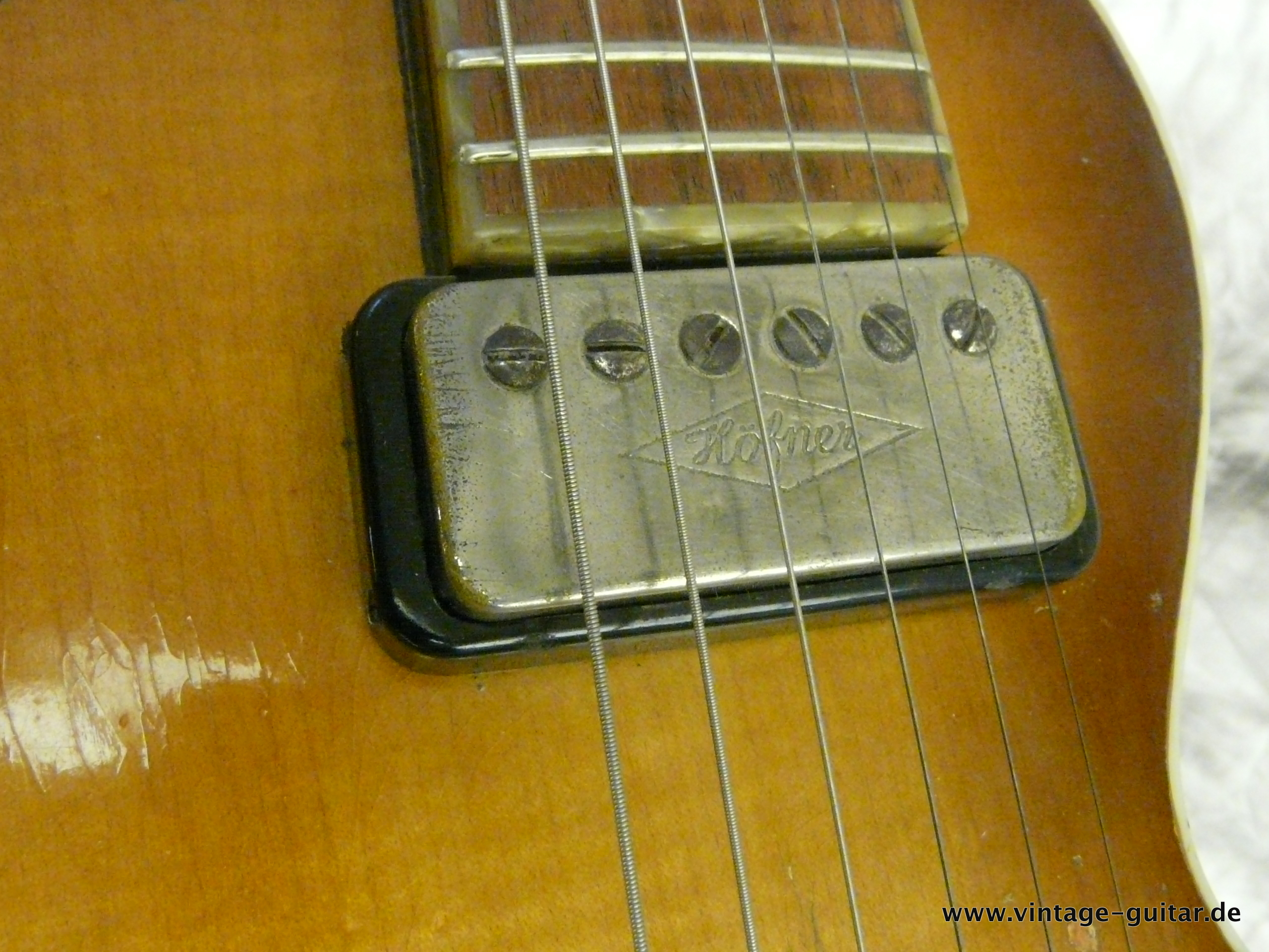 img/vintage/2648/Hofner-Double-Neck-Guitar-and-Bass-Model-191-016.JPG