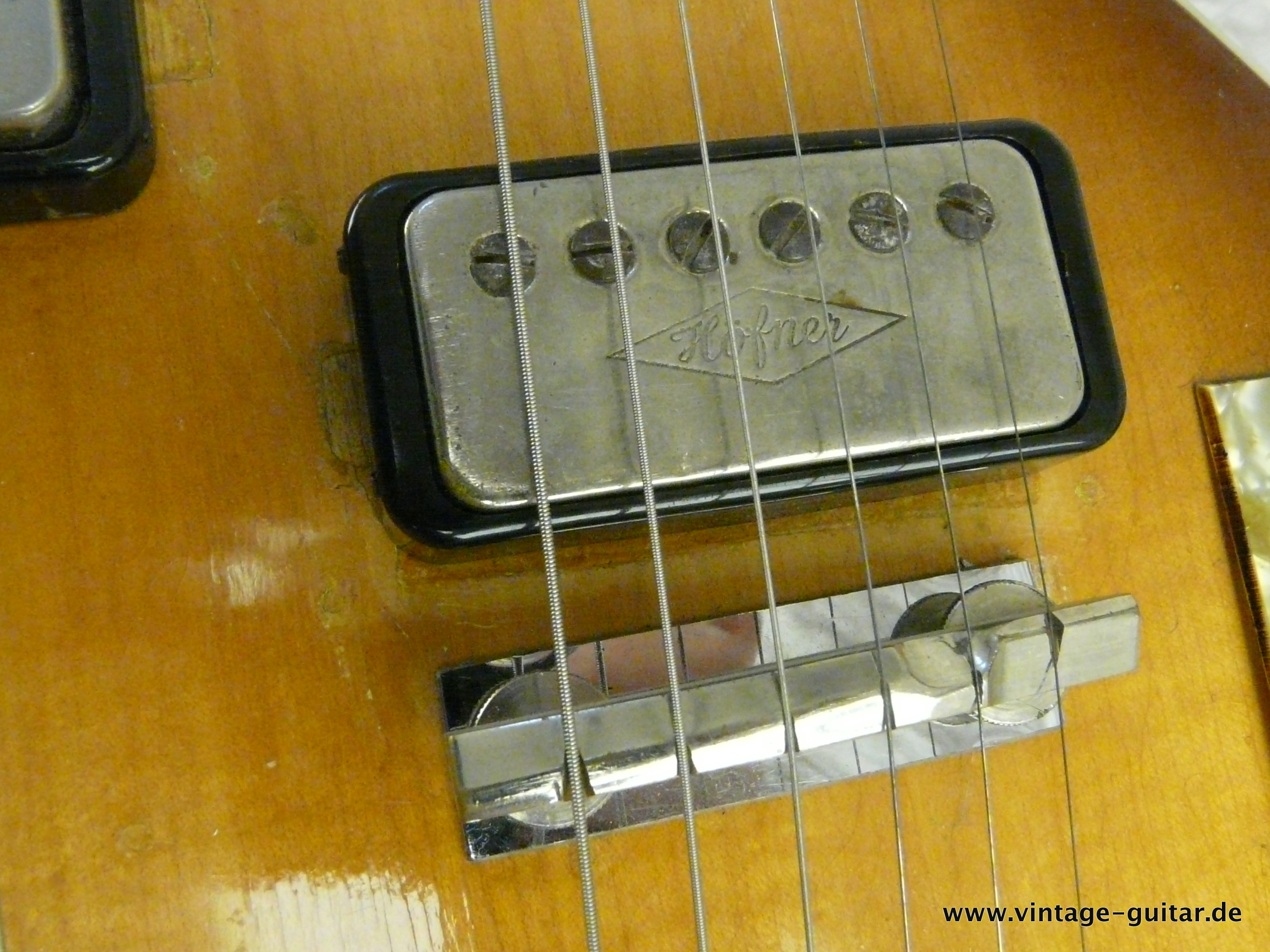 img/vintage/2648/Hofner-Double-Neck-Guitar-and-Bass-Model-191-017.JPG