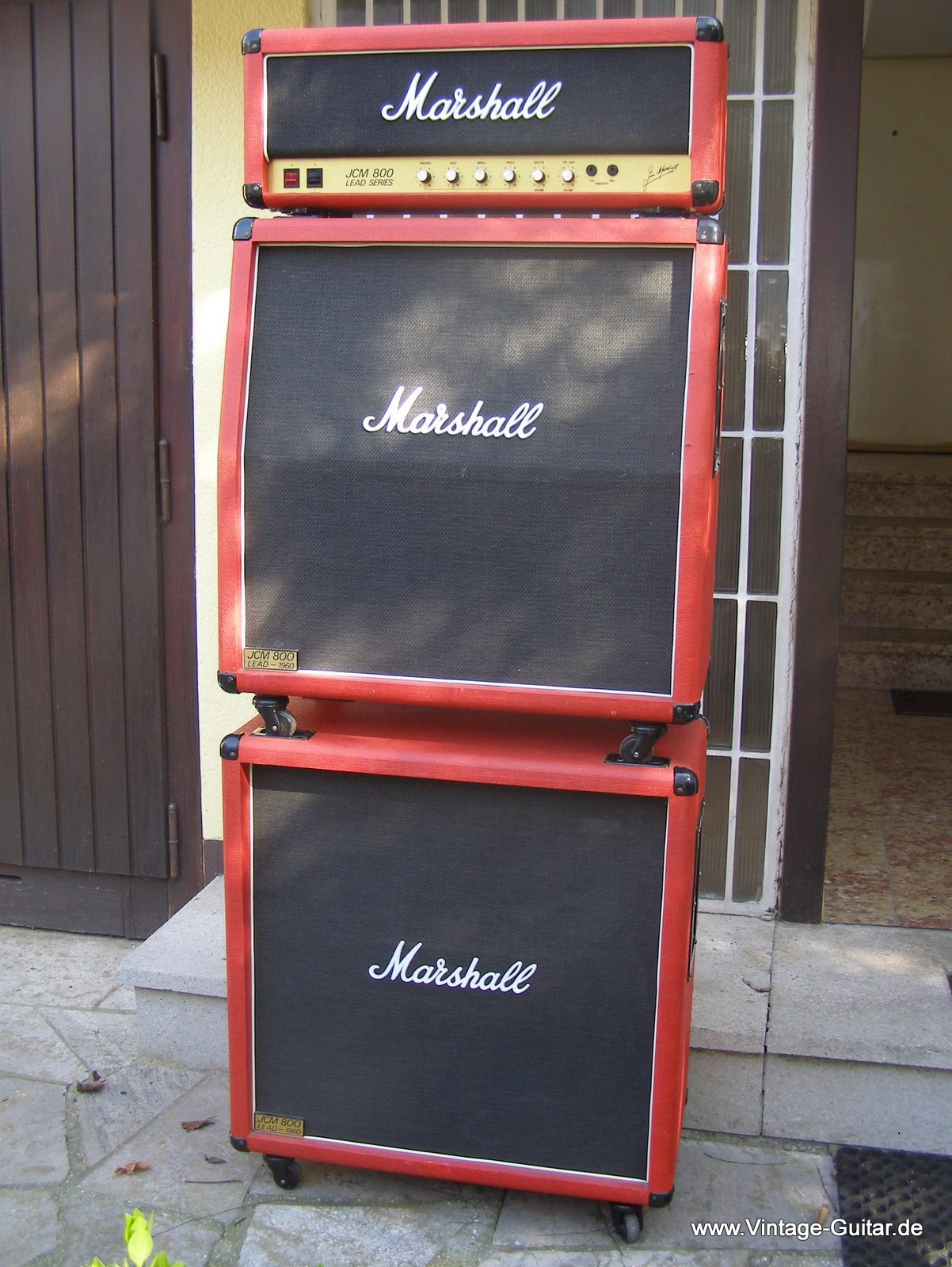 img/vintage/285/Marshall-JCM-800-full-stack-2203-limited-edition-red-001.JPG