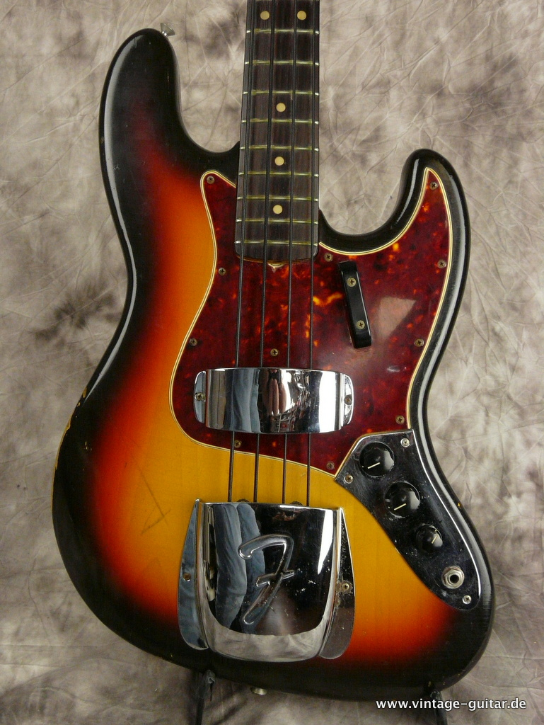 img/vintage/2969/Fender-Jazz-Bass-sunburst-1966-all-original-002.JPG