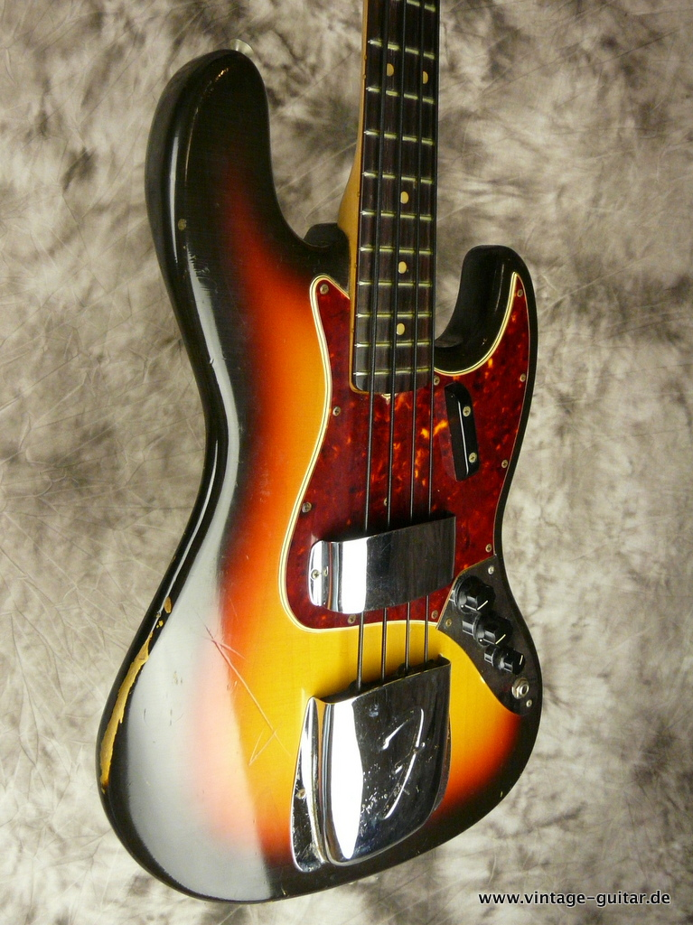 img/vintage/2969/Fender-Jazz-Bass-sunburst-1966-all-original-005.JPG