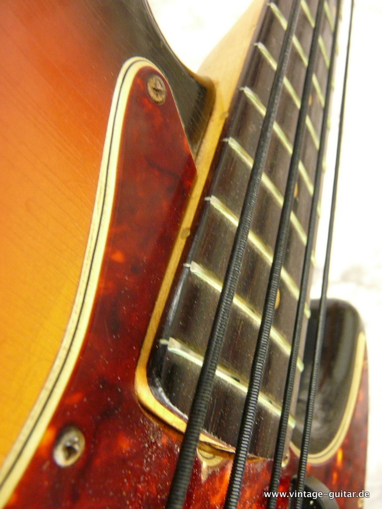 img/vintage/2969/Fender-Jazz-Bass-sunburst-1966-all-original-012.JPG