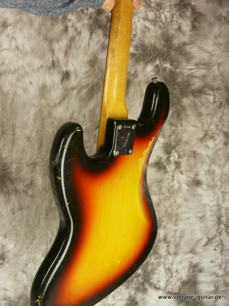 img/vintage/2969/Fender-Jazz-Bass-sunburst-1966-all-original-017.JPG