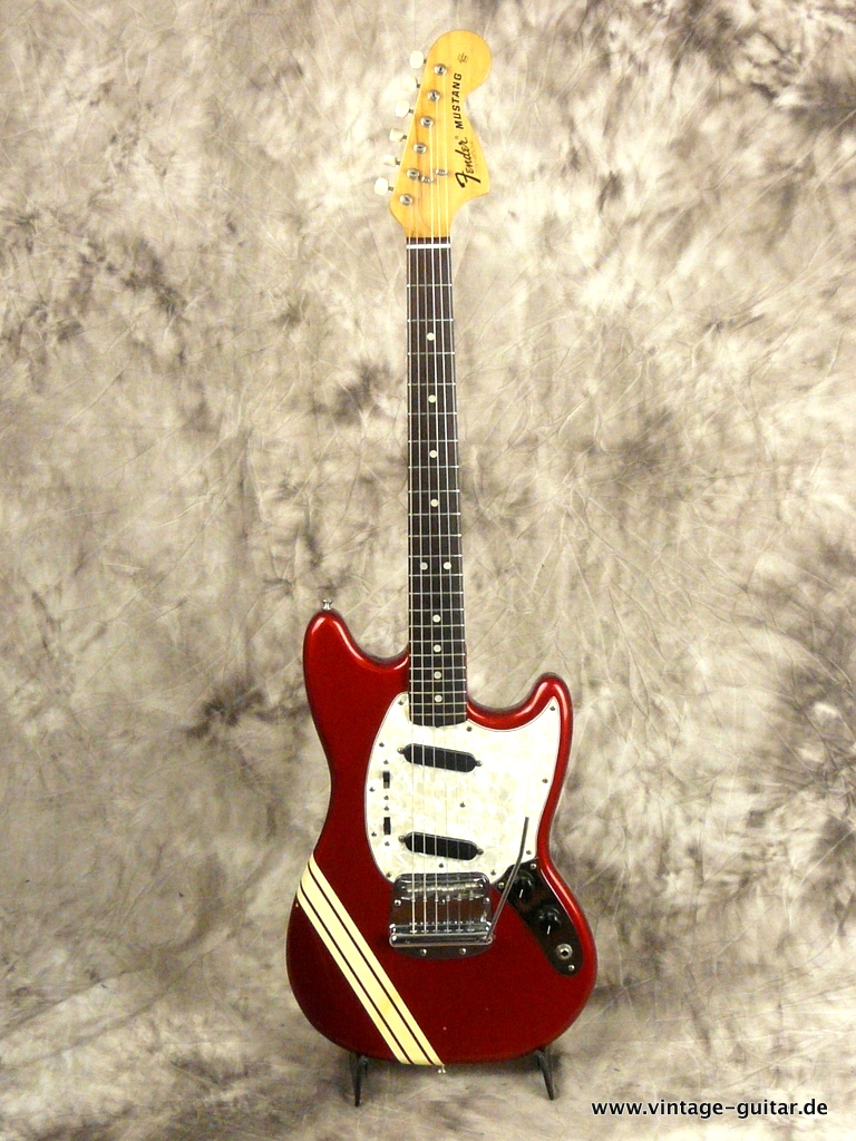 img/vintage/3009/Fender-Mustang-Candy-Apple-Red-Competition-1973-001.JPG