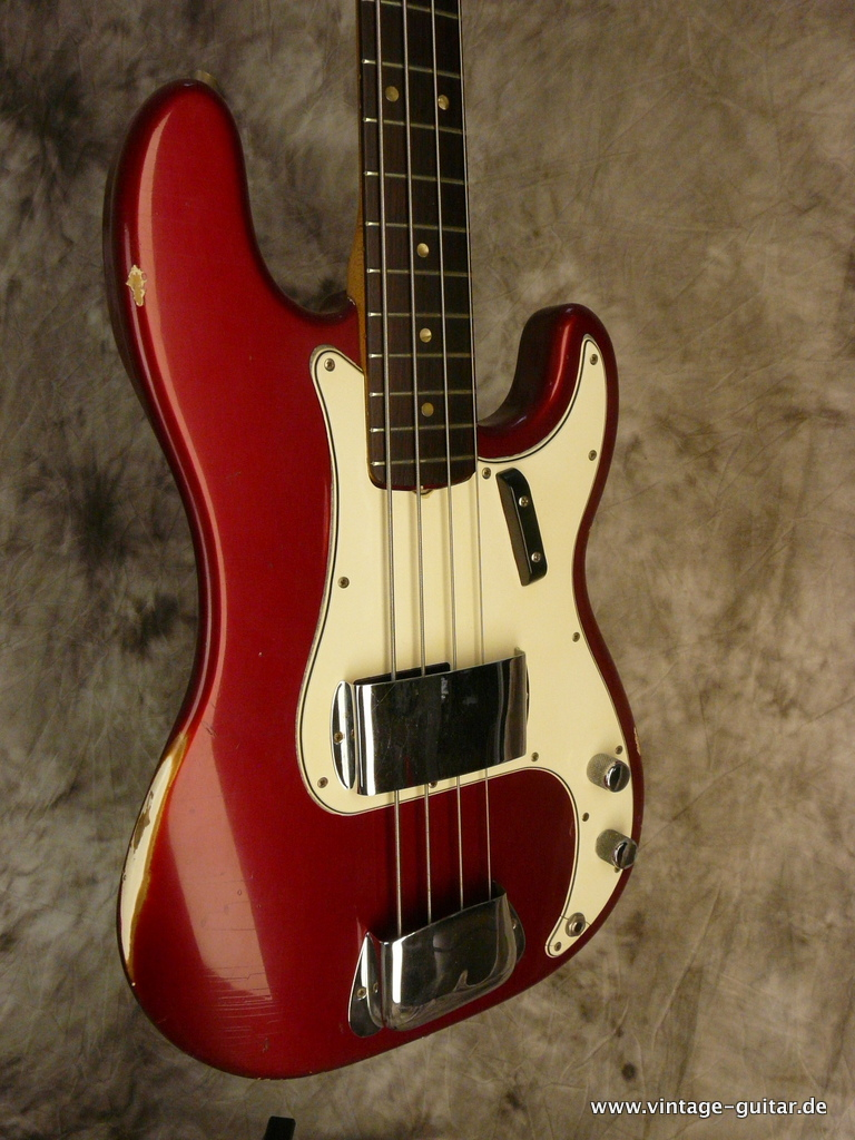 img/vintage/3124/Fender-Precision-Bass-1966-Candy-Apple-Red-009.JPG