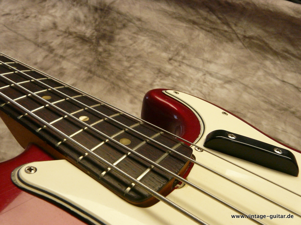 img/vintage/3124/Fender-Precision-Bass-1966-Candy-Apple-Red-013.JPG