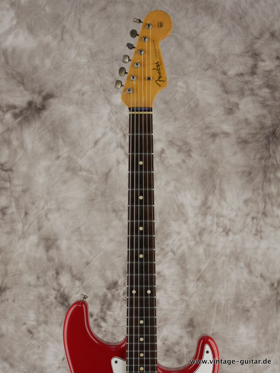 img/vintage/3154/Fender_Stratocaster_custom_shop_limited_edition_seminole_red-005.JPG