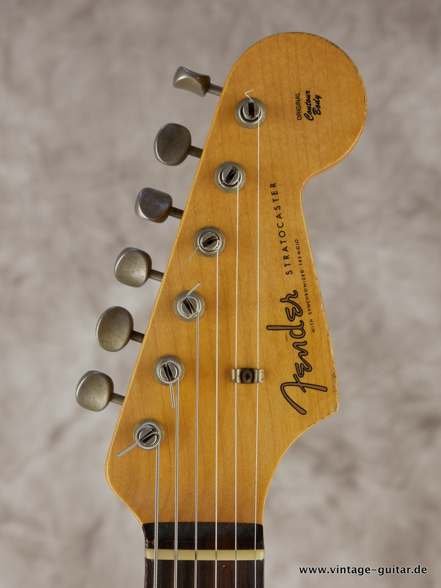 img/vintage/3154/Fender_Stratocaster_custom_shop_limited_edition_seminole_red-009.JPG