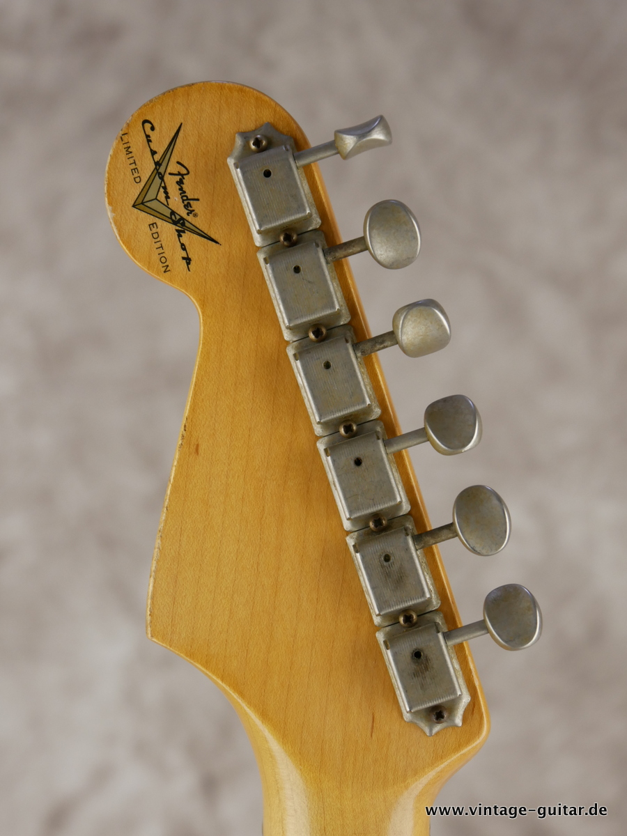 img/vintage/3154/Fender_Stratocaster_custom_shop_limited_edition_seminole_red-010.JPG
