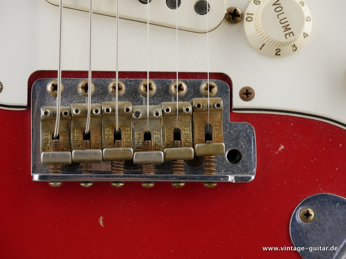 img/vintage/3154/Fender_Stratocaster_custom_shop_limited_edition_seminole_red-011.JPG