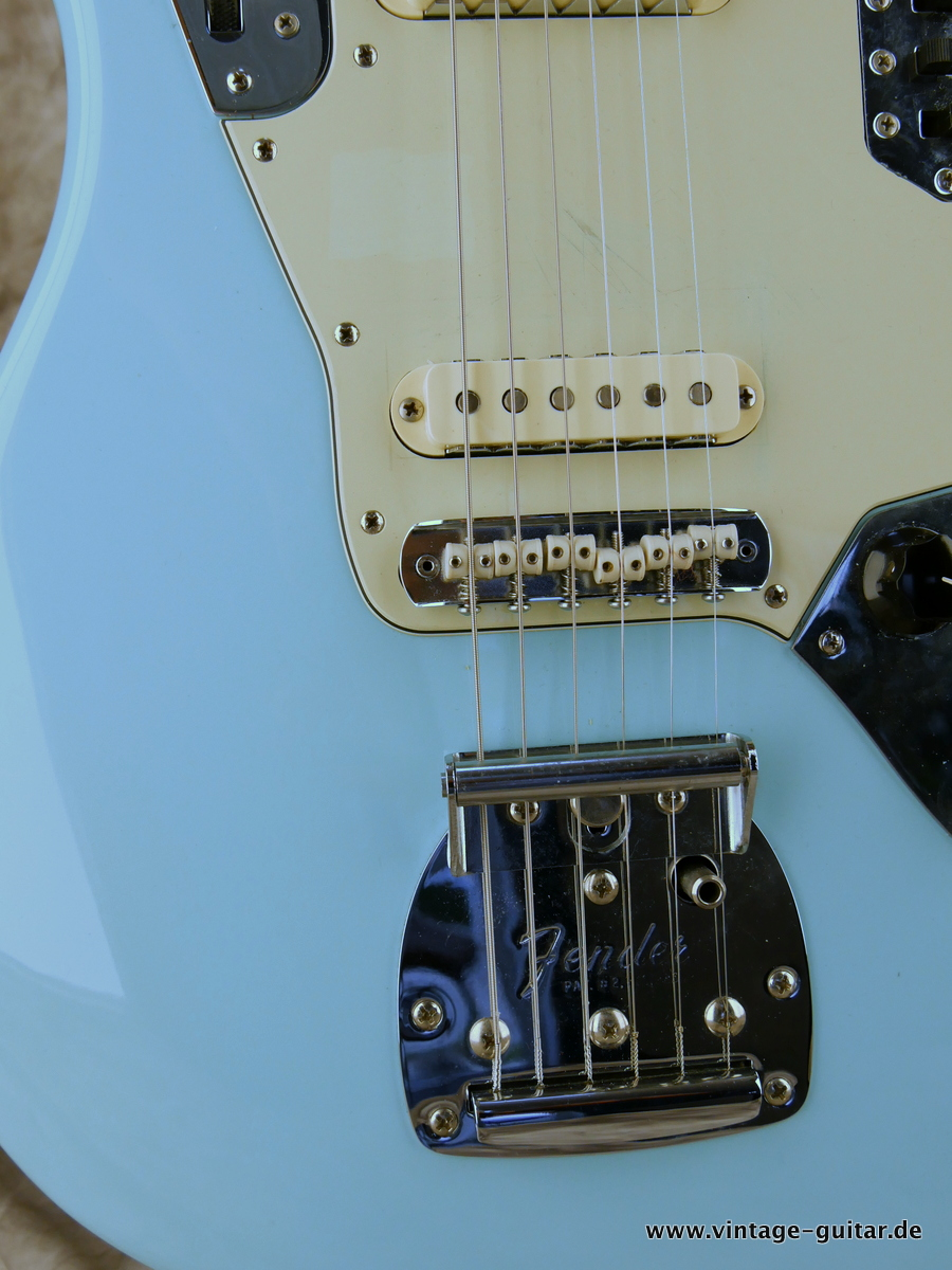 img/vintage/3193/Fender-Jaguar-Thinskin-USA-2008-daphne-blue-009.JPG