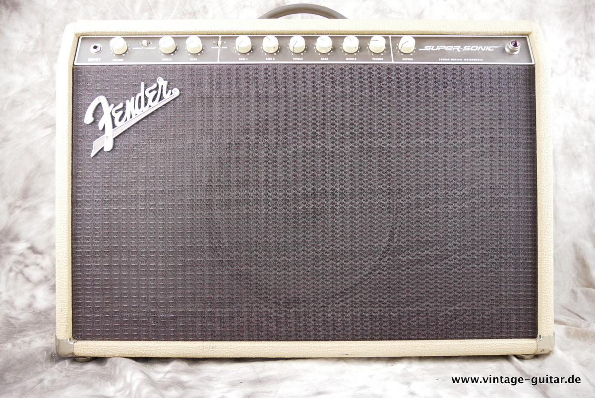 img/vintage/3244/Fender_Supersonic_60_blonde_2012-001.JPG