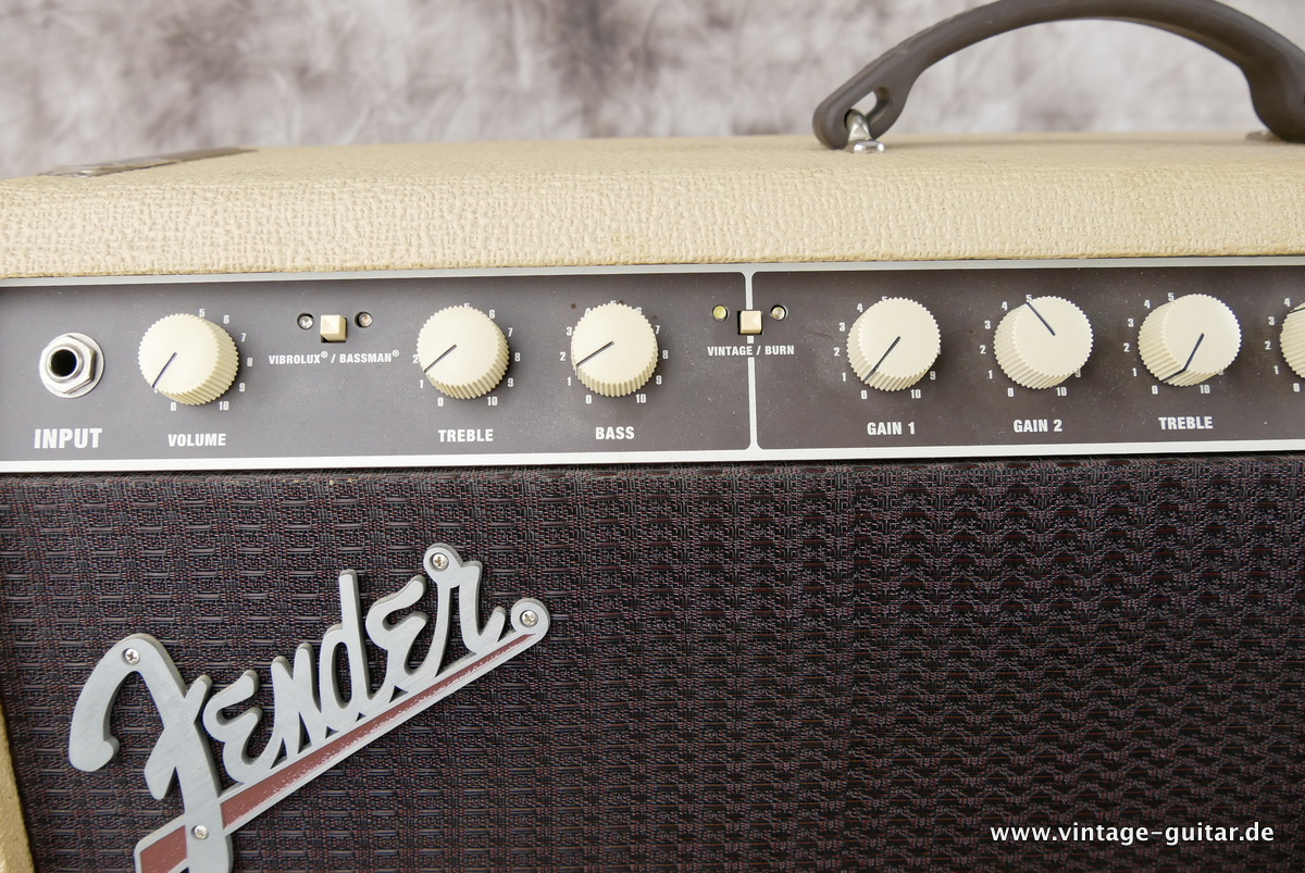 img/vintage/3244/Fender_Supersonic_60_blonde_2012-005.JPG