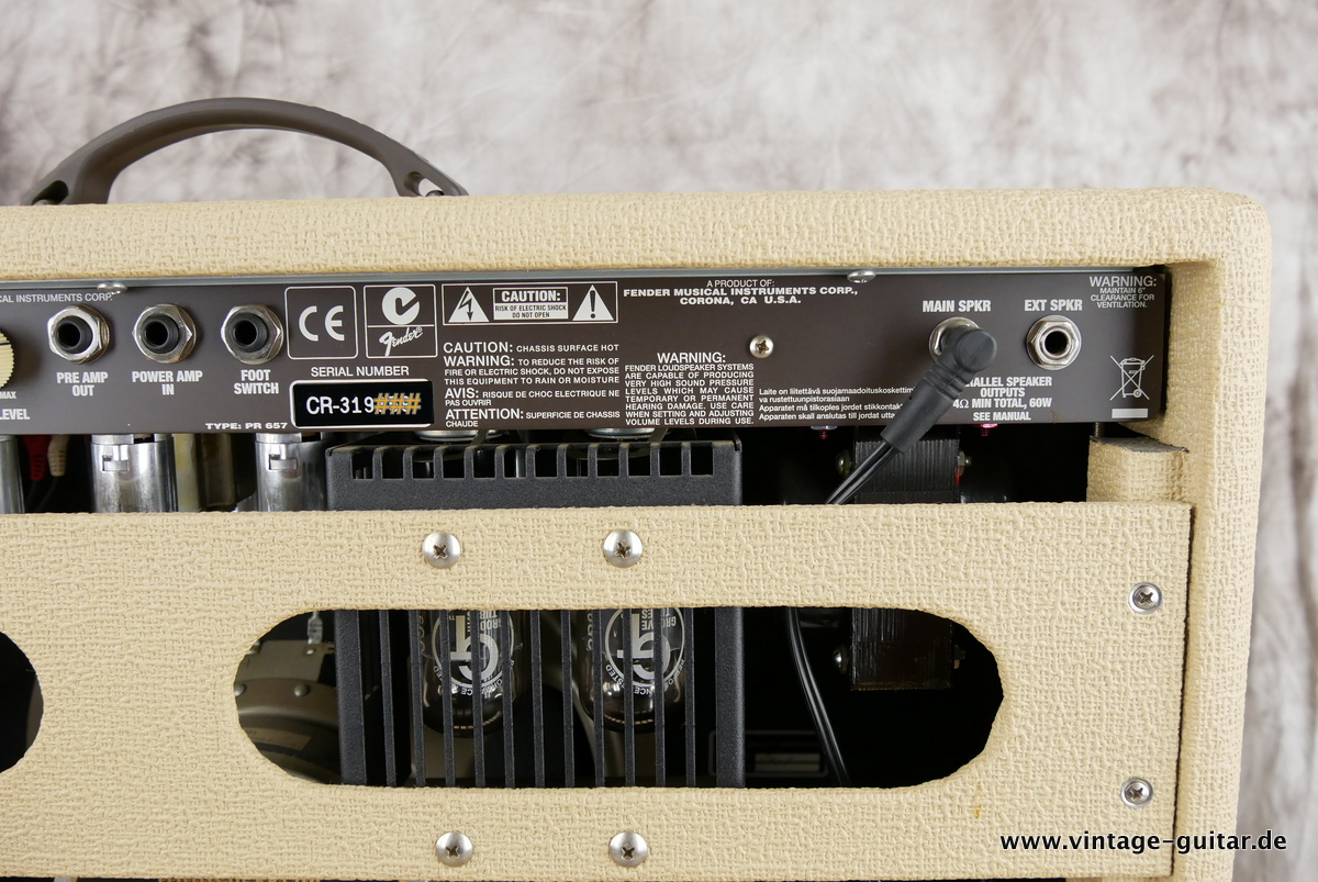 img/vintage/3244/Fender_Supersonic_60_blonde_2012-008.JPG