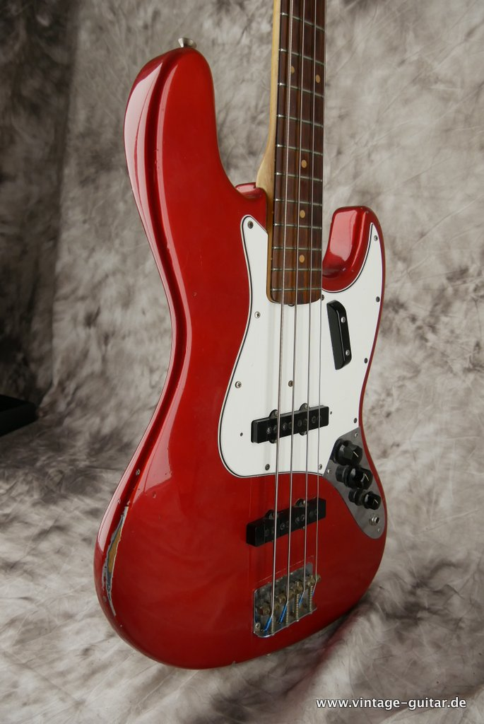 img/vintage/3300/Fender-Jazz-Bass-1963-candy-apple-red-005.JPG