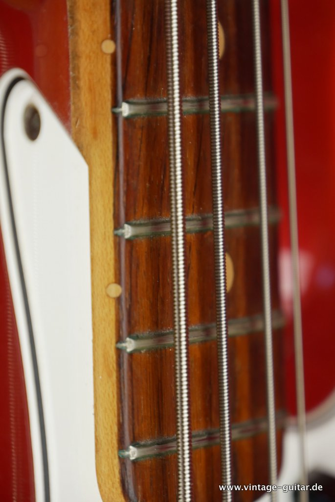 img/vintage/3300/Fender-Jazz-Bass-1963-candy-apple-red-014.JPG