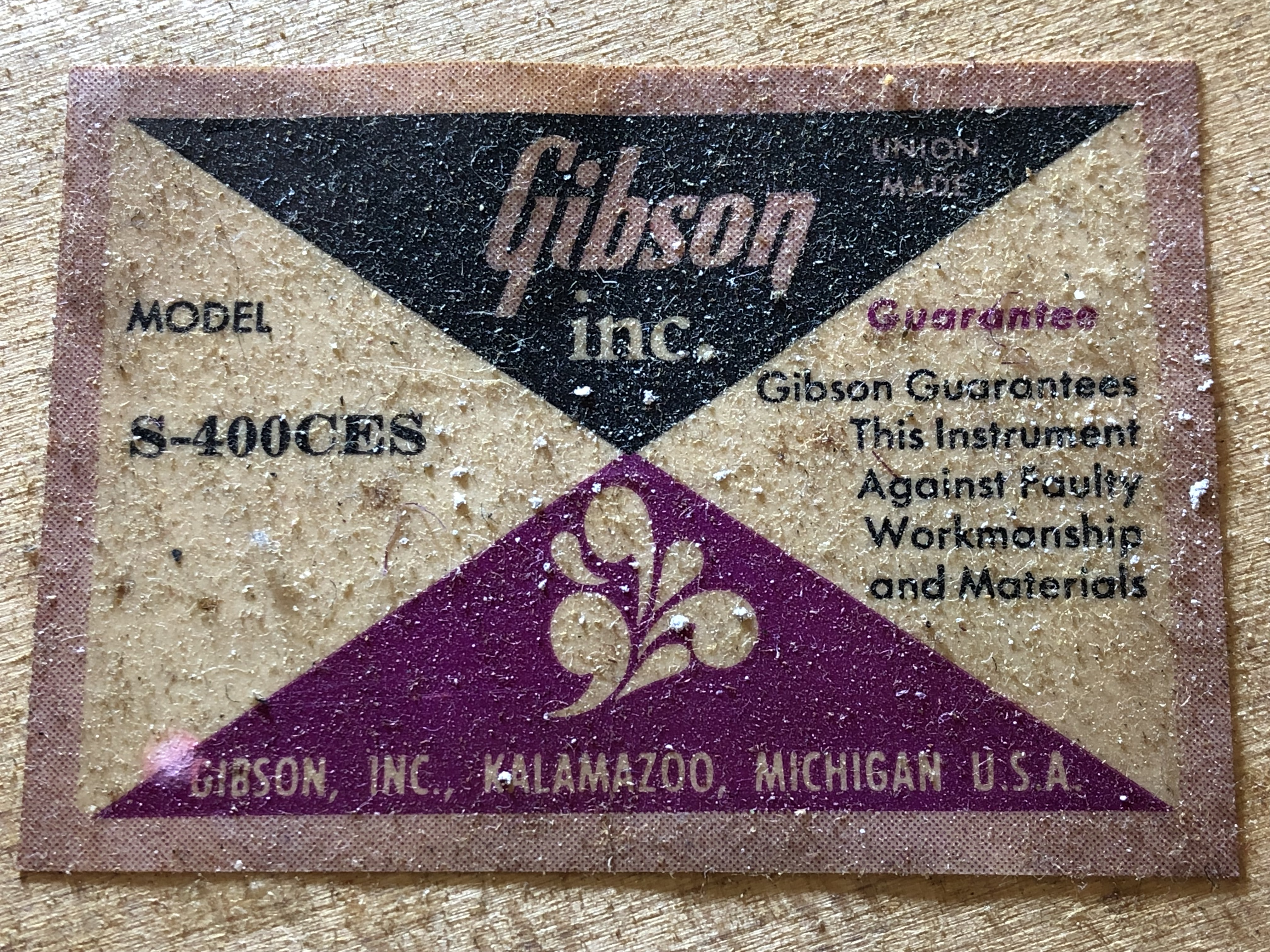 img/vintage/3393/Gibson-Super-400-CES-1974-023.jpg