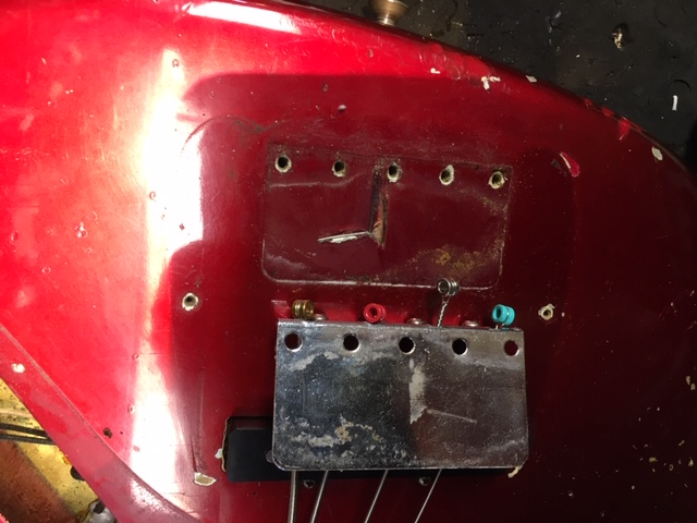 img/vintage/3488/Fender-Jazz-Bass-1965-candy-apple-red-024.JPG