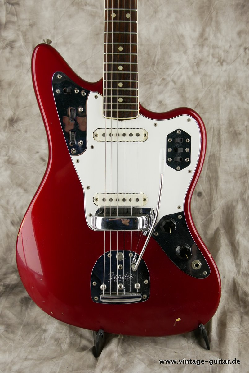 img/vintage/3548/Fender_Jaguar_candy_apple_red_1966-016.JPG