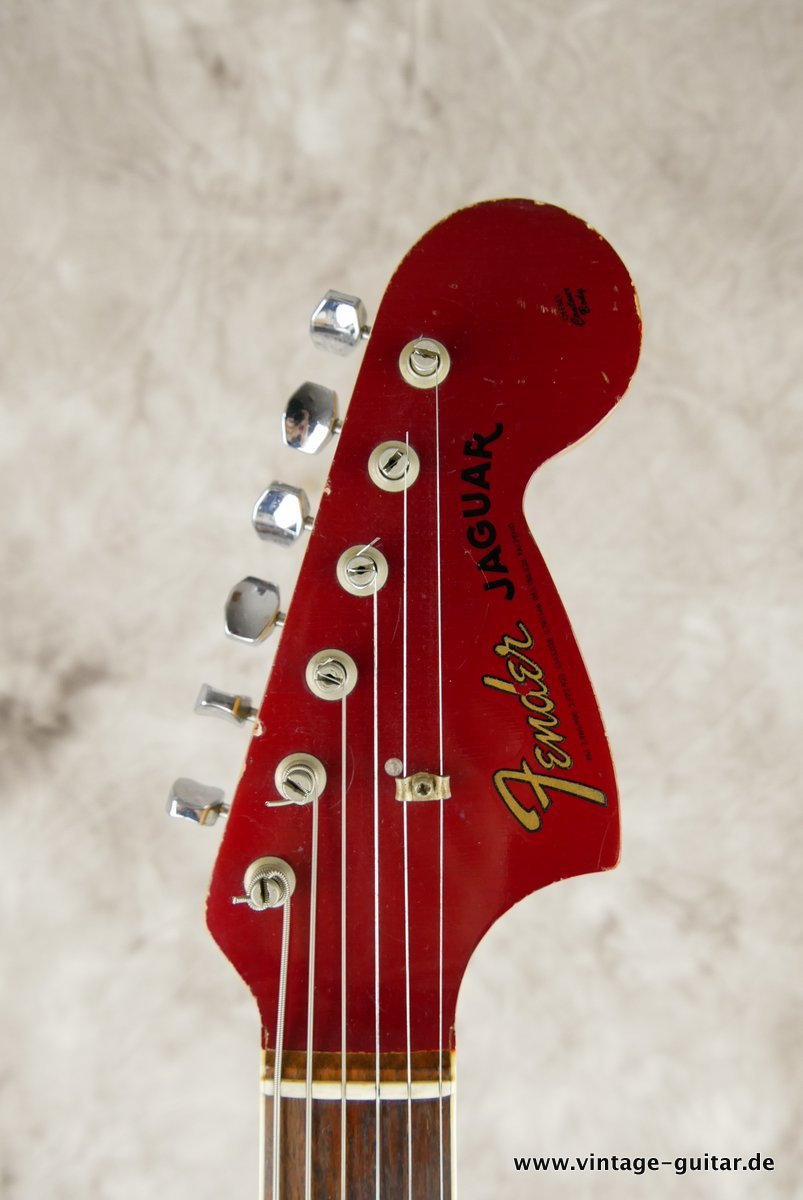 img/vintage/3548/Fender_Jaguar_candy_apple_red_1966-017.JPG
