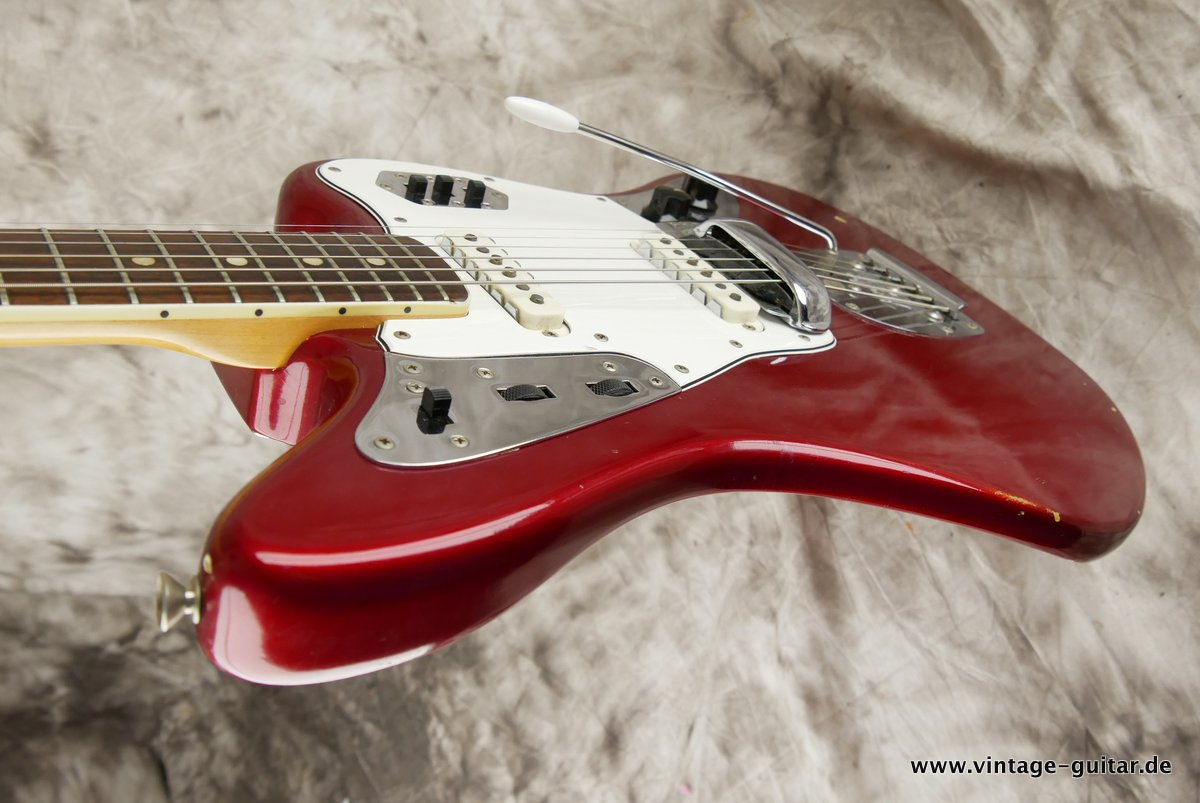 img/vintage/3548/Fender_Jaguar_candy_apple_red_1966-025.JPG