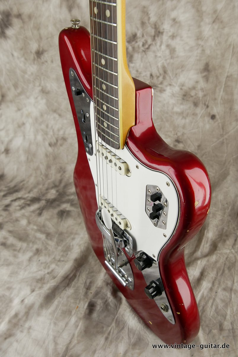 img/vintage/3548/Fender_Jaguar_candy_apple_red_1966-026.JPG